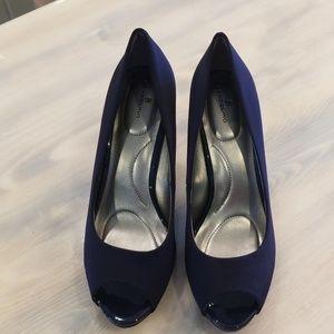 Bandolino Shoes - Navy Blue Bandolino Dress Shoe Size 11